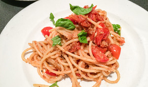 Linguine con pomodorini freschi