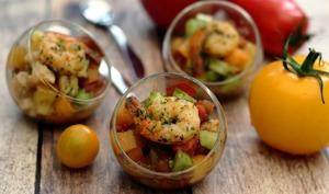 Verrine de tartare de tomates multicolores et crevettes poêlées