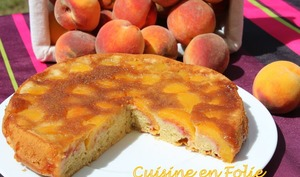 Upside-down cake aux pêches