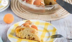 Gâteau au yaourt abricot et amande : moelleux et savoureux