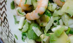 Salade de fenouil, au pamplemousse, à l'avocat et aux crevettes