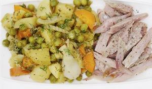 Jardinière de légumes et dinde marinée aux agrumes, cuite à basse température