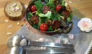 Salade de ravioles poêlées et chorizo