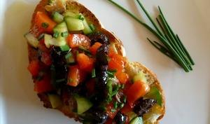 Crostini fraîcheur aux petits légumes