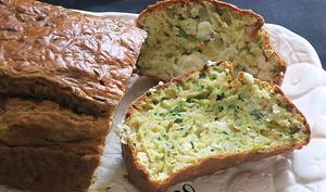 Cake aux courgettes, brebis et basilic
