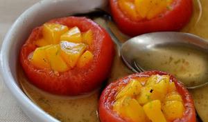 Tomate farcie aux pêches, sirop vanille et citron vert