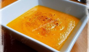 Velouté de carottes & courgettes au curry