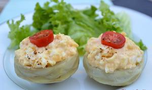 Fond d'artichaut à l'œuf dur sauce corail