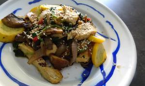 Poulet aux légumes au wok