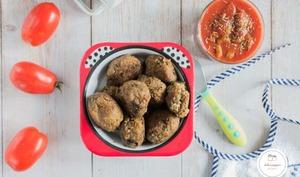 Boulettes d'aubergine à la tomate et aux olives