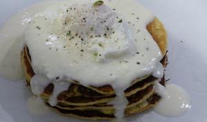 Pancake à la courgette, sauce au chèvre frais et thym