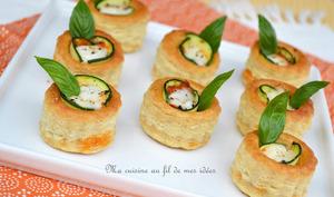 Petits feuilletés courgette, pesto rosso et mozzarella