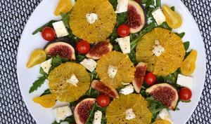 Salade de figues, feta et oranges caramélisées au miel
