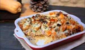 Gratin de courge butternut, champignons, jambon cru et cantal
