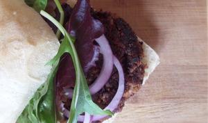 Burgers aux haricots, noix et champignons