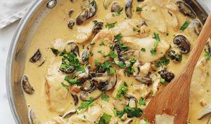 Poulet sauce crémeuse champignons et fromage