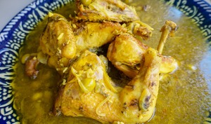 Tajine savoureux de poulet aux olives et citron confit