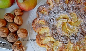 Gâteau aux pommes et noix parfumé au pain de singe