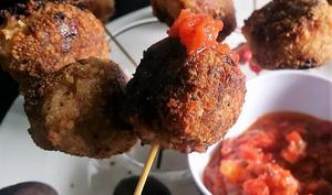 Sucettes/croquettes apéritif à la viande et au parmesan