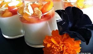 Panna cotta vanillée et sa compotée de nectarines
