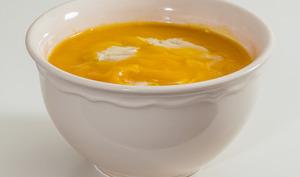 Soupe de courge au céleri et gorgonzola