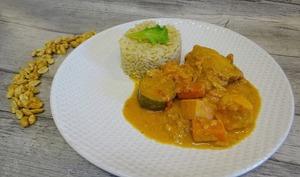 Mafé de poulet, patate douce, courgette ou poulet sauce arachide et son riz pilaf