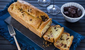 Cake aux lardons et pruneaux