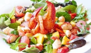 Salade de homard et crevette à la vinaigrette de framboise et fraise