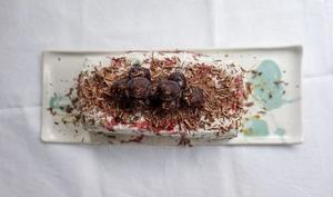 Bûche glacée ultra facile, cerise, chocolat et menthe