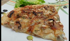 Tarte fine aux champignons de Paris et gorgonzola