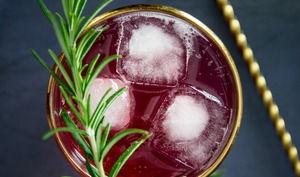 Cocktail ratafia cerise et Génépi
