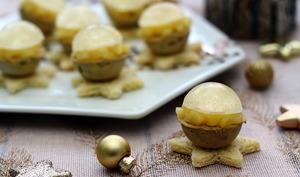 Boule de foie gras, gelée de Sauternes et pommes caramélisées