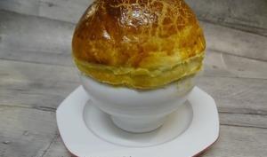 Velouté de champignons et foie gras en cocotte lutée