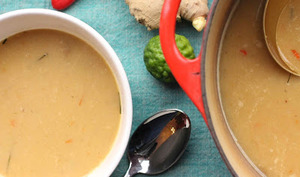 Soupe à l'oignon aux saveurs thaïes