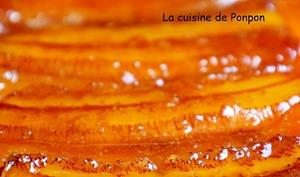Gâteau renversé à la banane caramélisée et combava