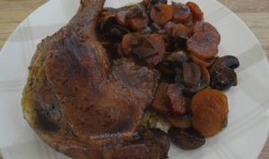 Cuisses de canard au miel, carottes et champignons
