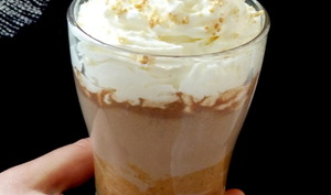 Chocolat chaud au praliné de cacahuète