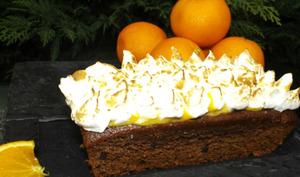 Gâteau chocolat et pépites de chocolat à l'orange meringuée