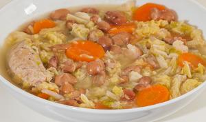 Soupe au chou et aux haricots blancs