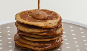 Pancakes, caramel au beurre salé
