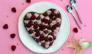 Gâteau de Saint-Valentin au chocolat et framboises
