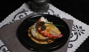 Riz complet façon risotto gambas et sauce tomate truffée