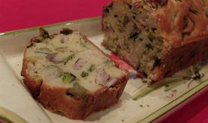 Cake aux harengs, poireaux et olives