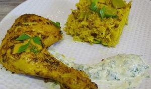 Cuisses de poulet à l'orientale et son riz épicé, sauce au fromage blanc
