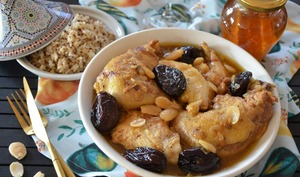 Tajine de poulet pruneaux miel et amandes