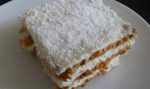 Gâteau sans cuisson chocolat blanc noix de coco et ananas