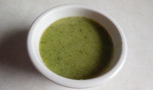 Potage de brocoli au sésame et lait de coco
