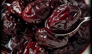 Pruneaux au vin rouge