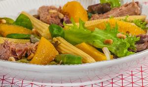 Salade de confit d'oie à l'orange et aux pignons de pin
