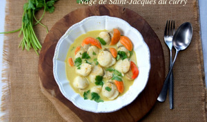 Nage de Saint-Jacques au curry doux